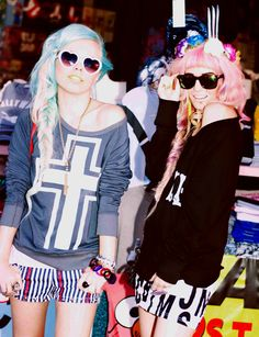 Audrey Kitching and Kerli