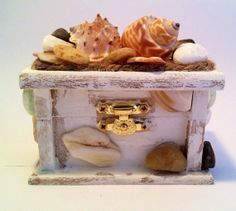 Beach Style Romantic Hand Decorated Wooden Ring Box
