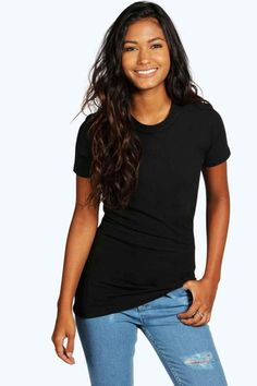 boohoo Sophie Basic Crew Neck T-Shirt Tambour, Slogan Making, Latest T Shirt, Neck T Shirt, Boohoo, Organic Cotton, Off The Shoulder, Going Out, Crew Neck