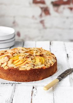 Almond peach cake (vegan, gluten-free & refined sugar-free) #foodphotography #foodstyling
