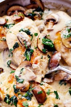 Creamy Parmesan Garlic Mushroom Chicken Creamy chicken with mushrooms and garlic Garlic Mushrooms, Stuffed Mushrooms, Stuffed Peppers, Chicken Mushrooms, Chicken Mushroom Recipes, Chicken Recipes, Recipe Chicken, Chicken Breast Mushroom Recipe, Gastronomia