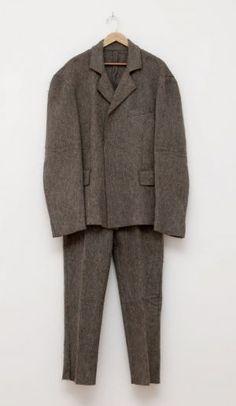 Joseph Beuys, Pak van vilt, 1970  Zie voor Beuys: http://www.artsalonholland.nl/grote-meesters-kunstgeschiedenis/joseph-beuys