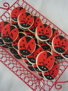 We absolutely love these ladybug shaped cookies. They make fabulous favors and look so incredibly yummy. The perfect cookies for your ladybug theme baby shower.
