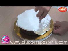Como Aplicar una Cubierta sin Arruinarla con Migas de Torta | Club de Reposteria