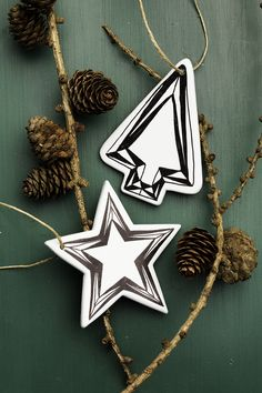 Black and white christmas ornaments www.pandurohobby.com Christmas Decor by Panduro #christmas #decoration #DIY #ornaments