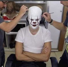 Bill Skarsgard getting into Pennywise makeup. he looks either mad or comfortable. Anyone else see the leper in the bg?