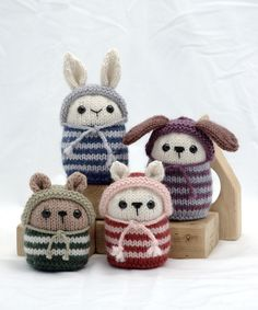 Found on knit designer Barbara Prime's blog Knitting Cuteness.  Her animals are so cute.  Don't forget to check out her etsy shop.