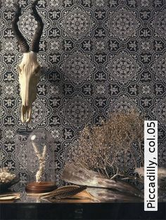 Buy Cole & Son Piccadilly Wallpaper in Australia. From Cole & Son's Albemarle Collection is a humorous take on the 'tile'. It is a striking pattern of intricately delicate tiles in traditional colours. Black & White Roll - x Repeat - Straight Match Shabby Chic Tapete, Cole And Son Wallpaper, Chic Wallpaper, Vintage Tile, Pattern Blocks, Pattern Paper, Retro, Sons, Monochrome