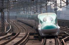 新幹線 Bullet train E5