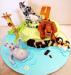 Madagaskar movie themed cake