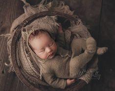 Beautiful newborn photo props by PITTAphotoprops on Etsy Newborn Baby Photos, Baby Boy Photos, Newborn Photo Props, Baby Boy Newborn, Baby Pictures, Baby Boy Outfits, Handmade, Etsy, Beautiful