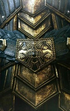 Dwarven armour. The geometric shapes are wonderful, they are also in Dwarven architecture.