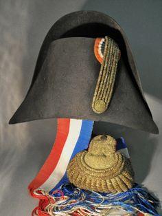 1812 Dress Chapeau & Epaulet / Napoleonic Emperial Guard Officer