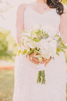 green and white bouquet with hydrangeas // photo by Julia of Our Labor of Love