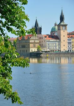 Vista desde la isla Střelecký , río Moldava. Praga República Checa.