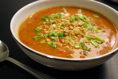 maapähkinäkeitto Takana, Ethnic Recipes, Food, Historia, Red Peppers, Eten, Meals, Diet
