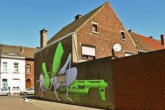 Ludo, la sauterelle à La Louvière by @necDOT, via Flickr