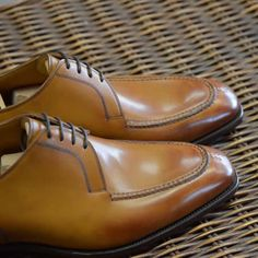 Hove Vintage Chestnut MH71 #GazianoGirling #AHOneShoes #HandmadeShoes #MensShoes #MensFashion If you have any questions or comments we'd love to help. Contact AH One Shoes at 703-451-0540 or ahoneshoes@aol.com