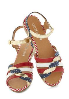 Huge Hugs Sandal in Americana, #ModCloth. I would rock these at our 4th of July picnic! Putting on my Wishlist now!