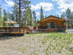 VRBO.com #4028456ha - Wood Duck Lodge - Bring Your Boats, Snowmobiles & Skis to This Welcoming Two Story Log House. Huge 3/4 Acre Lot.  4BR, 2BA, 2,100 Square Feet, Sleeps 10, Hot Tub!