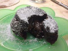 cucina di casa: tortino al cioccolato con cuore morbido