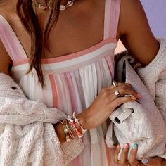 JULIE SARIÑANA (@sincerelyjules) • Fotos y vídeos de Instagram Cute Summer Dresses, Summer Outfits, Cute Outfits, Stripped Dress, Dress Silhouette, Love Her Style, Fashion Addict, Get Dressed, You Nailed It
