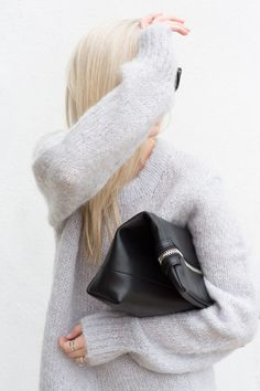 MINIMAL + CLASSIC: outfit • 70 Aritzia Six Eleven Clutch and Wilfred knit #FallForUs