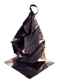 Expanding Origami Apparel : 132 5 issey miyake
