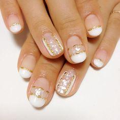 White shells nail