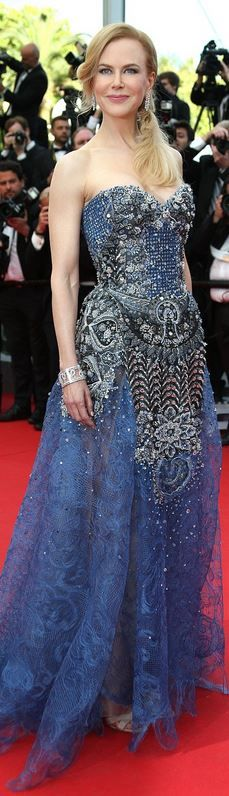 Who made  Nicole Kidman's jewelry, blue crystal strapless gown, and shoes that she wore that she wore in Cannes on May 14, 2014?
