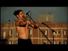 Red Hot Chili Peppers - The Adventures of Rain Dance Maggie (official video) Rain Dance, Dancing In The Rain, Workout Music, Hard Rock, Vinyl Records, My Music, Audio Books, Picture Video, Documentaries