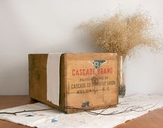 Vintage Crate Box wooden Cascade Co-operative by #TheHeirloomShoppe #etsy #teamvam