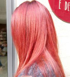 Rosso con riflessi magenta