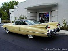 I absolutely prefer this paint color for this car 1959 Cadillac, Cadillac Eldorado, Cadillac Escalade, Retro Cars, Vintage Cars, Antique Cars, Automobile, Cadillac Fleetwood, Us Cars