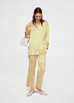 Pyjama style Flowy fabric Print Satin finish Lapel-collar V-neck Long sleeve Patch pocket on the front Button fastening on the front section Mango Outlet, Chemise Fashion, Pajama Shirt, Mode Online, Pyjamas, Shirt Outfit, Latest Fashion Trends, Shirt Style, Peplum Dress