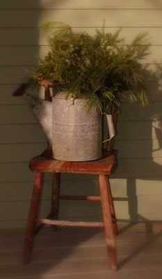 Country decor / WATER CAN -- I love watering cans :)