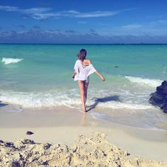 Belle mer des Caraïbes. by lysandrenadeau Lysandre Nadeau, Asia Girl, Bikini Girls, Queens, Boys, Sexy, Bikinis, Water, Bikini