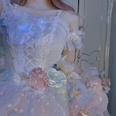 Pretty Outfits, Pretty Dresses, Beautiful Dresses, Cute Outfits, Fairytale Dress, Fairy Dress, Aesthetic Fashion, Aesthetic Clothes, Pretty Quinceanera Dresses