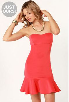 Trumpet Vine Strapless Coral Dress Terrific for that night out ! Unbelievable price of only 27 bucks at Lulu's Winter Ball Dresses, Spring Dresses, Junior Cocktail Dresses, Knit Dress, Dress Up, Latest Fashion Dresses, Coral Dress, Online Dress Shopping, Hot Outfits