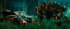 Bumblebee, Sam y Mikaela. #Transformers #Autobots #Decepticons