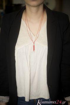 Ασημένιο κολιέ ιn fashion με κόκκινο μακραμέ κορδόνι! Συνδυάστε το με χρυσά κοσμήματα και  κάντε το δικό σας fashion statement!