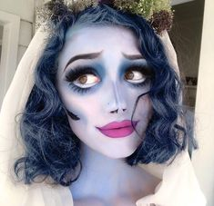 Get Inspired by These Cool Halloween Makeup Looks – Halloween Make Up Ideas Cute Halloween Makeup, Pretty Halloween, Scary Halloween, Halloween Customs, Tim Burton Halloween Costumes, Coraline Halloween Costume, Halloween Inspo, Awesome Halloween Costumes, Halloween Makeup Artist