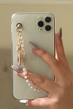 Fluffy Phone Cases, Girly Phone Cases, Diy Phone Case, Iphone Phone Cases, Iphone 7 Plus, Accessoires Iphone, Aesthetic Phone Case, Pink Wallpaper Iphone, Cute Keychain