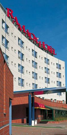The Cumulus Airport Hotel - Helsinki Airport Hotel, Helsinki, Finland, Multi Story Building, Hotels