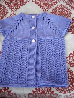 Image gallery – Page 538672805428250299 – Artofit Baby Cardigan Knitting Pattern, Baby Knitting Patterns, Baby Patterns, Hand Knitting, Diy Crafts Crochet, Baby Vest, Baby Sweaters, Crochet Baby, Free Pattern