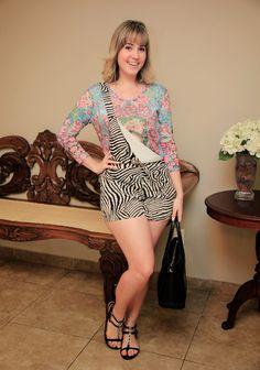 Mais um pouquinho do look da Karine <3 <3 <3 misturinha gostosa de floral com zebra <3 <3 <3
