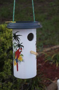 Comedouro para pássaros lindo e de cano de PVC!