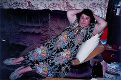 moderne odalisque:Richard Billingham Untitled (NRAL 1994 Fuji long-life colour print on aluminium 105 x 158 cm Artistic Fashion Photography, Photography Pics, Fashion Photography Inspiration, Amazing Photography, Street Photography, Richard Billingham, Real Life, Saatchi Gallery, Galleries In London