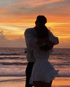 Cute Relationship Goals, Cute Relationships, Cute Couple Pictures, Cute Photos, Cute Couples Goals, Couple Goals, Romance, Couple Aesthetic, Sky Aesthetic