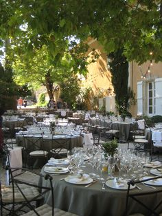 Mariage in Provence Provence, Table Decorations, Furniture, Home Decor, Weddings, Decoration Home, Room Decor, Home Furnishings, Home Interior Design
